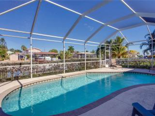 Ibis at the Beach, Heated Pool, Lanai, 3 Bedrooms, Boat Dock and canal, Fort Myers Beach