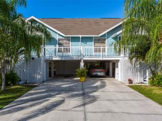 Sea Stars #2, 2 bedrooms, quiet street, Fort Myers Beach
