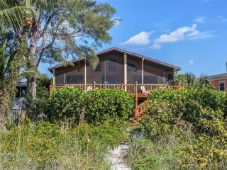 Turner Classic Manor, 3 Bedrooms, Gulf Front, WiFi, Sleeps 9, Fort Myers Beach