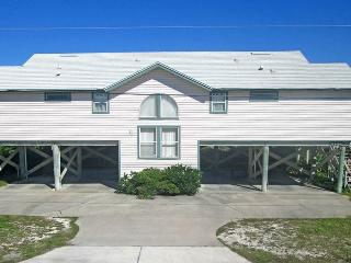 Tara's Haven, 4 Bedrooms, Ocean Front, Pet Friendly, Sleeps 10, Ponte Vedra Beach