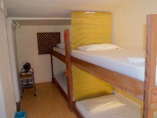 Caricako Hostel - dormitory bed 7, Manzanillo