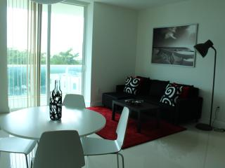 Extravagant 2 Bedroom Luxury Suite, Miami