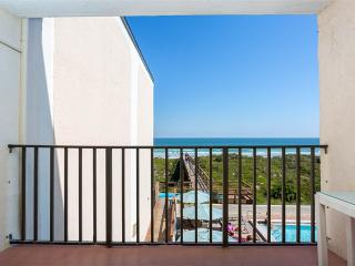 Beachers Lodge 307, Beach Front, King Sized 1 Bedroom, Beach Front, Saint Augustine