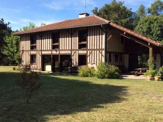 Grande maison landaise restaurée, Vielle-Saint-Girons