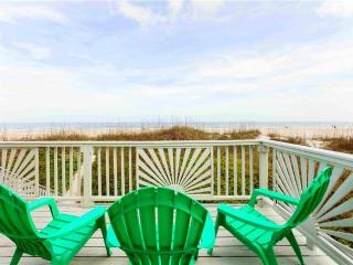 Cottage By The Sea, 4 Bedrooms, Ocean Front, Pet Friendly, Sleeps 12, Saint Augustine