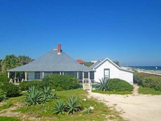 St Augustine Lodge Historic Beach House, 5 bedroom cottage, Ocean Front, Wi, Saint Augustine