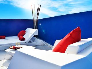 DESIGN PENTHOUSE POOL NEAR PACHA, BEACH, OLD TOWN, Ibiza Ciudad
