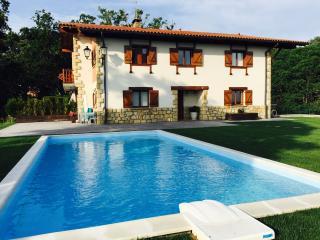 Villa con piscina/vista Bahía Txingudi/Hondarribia