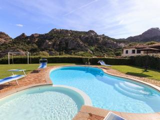 Appartamento in villa rurale con piscina, Baia Sardinia
