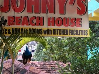 clean rooms with garden view 2 minutes walk beach, Kovalam
