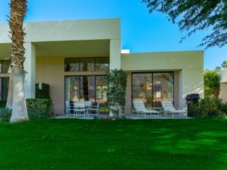 Private Palmer Course Home in PGA West on 8th Fairway, Pool & Spa Access
