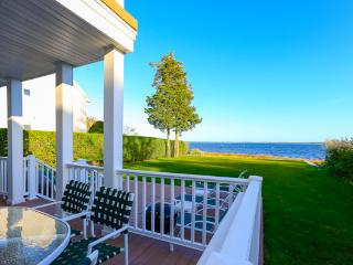 Peconic Bay Beach house, Riverhead