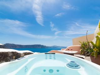 GREEK PARADISE, outdoor Hot Tub, Caldera panorama!, Oia