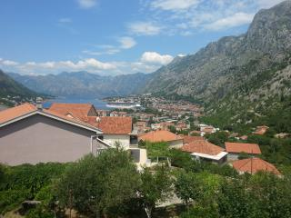 Apartment Gara- Two Bedroom Apartment with Kotor Bay View, Petrovac