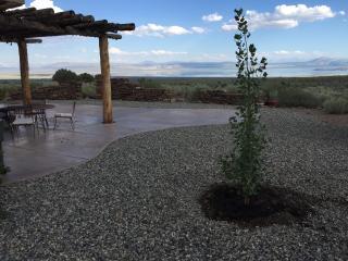 Mono Lake Bodie Hills Rural Off-grid Solar Casita, Lee Vining