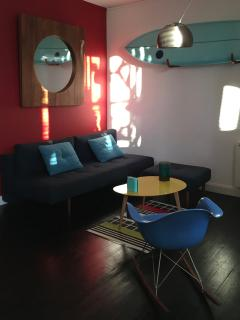 Coach, design furniture, freshly updated (new colors on the walls...) Sun in the morning until 12.00