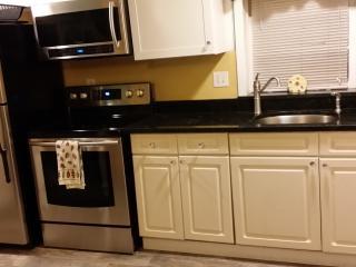 Hideaway 3 bedroom has Samsung Stainless Steel Appliances, Granite  Tops,  Smart Microwave.