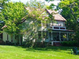 Lovely Country Victorian Retreat with pool & more!, Ithaca