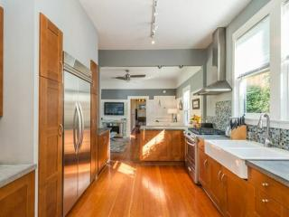 Stylish Furnished Unit with Backyard - Bernal Heights, San Francisco