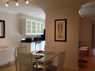 STUNNING AND FURNISHED 1 BEDROOM APARTMENT, Santa Monica
