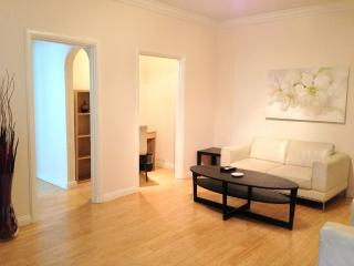 GORGEOUS AND FURNISHED 1 BEDROOM APARTMENT IN SANTA MONICA, Santa Monica