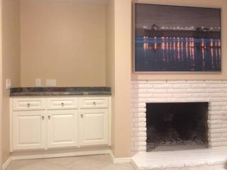 GORGEOUS AND FURNISHED 2 BEDROOM APARTMENT IN HUNTINGTON BEACH, Huntington Beach