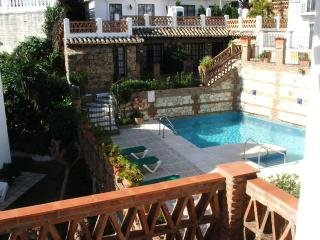 2-bed Apartment in Mijas Golf with Pool View