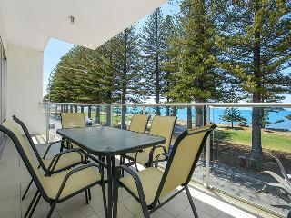 Breeze 21 Beachfront Apartment - Victor Harbor