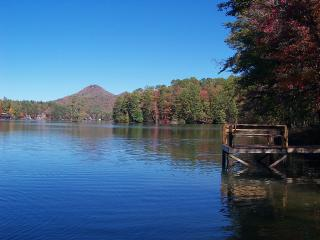 Charming Lakefront Cabin With Wonderful Lake Views, Clarkesville