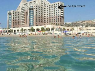 Beautiful Luxury Apartment Right on the Beach!, Haifa