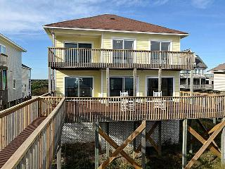 Flip Flops - Fantastic Oceanfront View, Adorable Decor, Direct Beach Access, North Topsail Beach