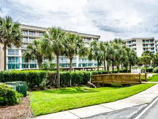 Waterview Towers - Renovated/Waterfront, Destin