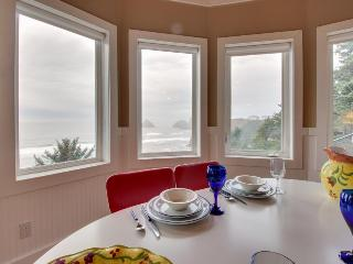 Dog-friendly condo w/ ocean views, private balcony & great location!, Oceanside