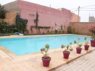 Surf & Holiday condo with nice pool in Taghazout