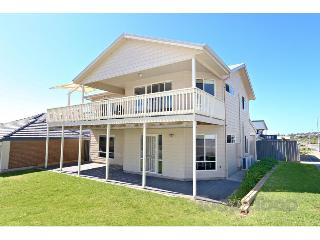 Rocks Beach House family beach house sleeps 10, Victor Harbor