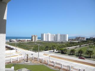 Lindo y cómodo depto a 1 cuadra de la playa cercano a restaurantes, cafés, malls
