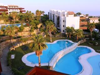 Hoyo 19 Exclusive Penthouse, Malaga, Puerto Jose Banus