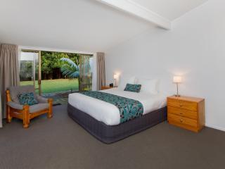 Spacious Garden Rooms and Apartments