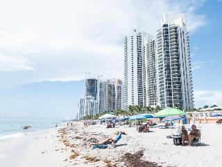 Gorgeous One Bedroom on Sunny Isles, Sunny Isles Beach