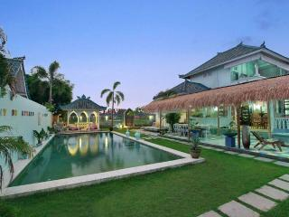 Awesome 7 bedroom Seminyak Umalas1 Villa with pool