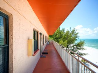 1BR Beachfront St. Petersburg Condo w/Full Kitchen & Breathtaking Ocean Views - Amazing Location on Sunset Beach in Treasure Island!