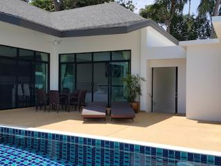 3 BEDROOM  POOL VILLA -  Rawai Beach, Restaurants just 5 minute walk