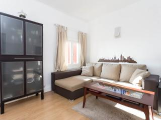 Romantic & quiet apartment next to Park Guell, Barcelona