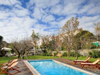 Casa Bianca An impressive villa with  pool