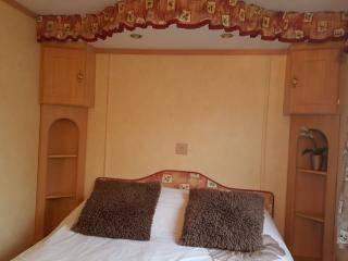 lovely chalet on family park, Llanbedrog