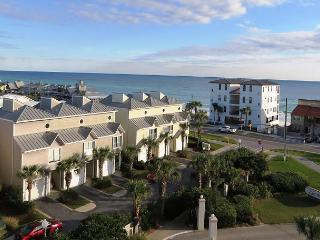 Enclave 605A, 3BR/2BA condo, just across the street from the beach!, Destin