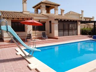 Private detached villa with own private pool, Fuente Alamo
