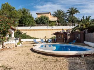 Casa Anita - charming 2 bed villa, private pool and garden, premier location