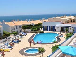 Town house to let in Praia Da Luz