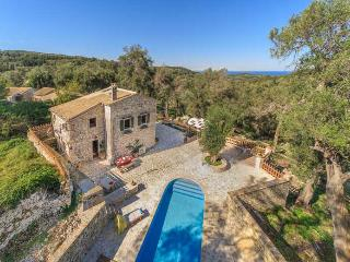 Villa Lenio Near Magazia, Paxos (Sleeps 2-7)